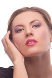 Muchacha rubia sensual con maquillaje del estilo de la voga Foto de archivo