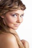 Muchacha rubia sonriente hermosa Imagen de archivo libre de regalías
