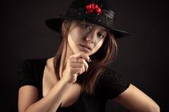 Muchacha rusa coreana del adolescente de la raza mixta con la cara velada Foto de archivo libre de regalías