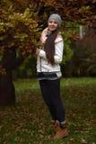 Muchacha rusa de pelo largo linda Fotografía de archivo