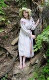 Muchacha rusa en traje nacional Fotos de archivo libres de regalías