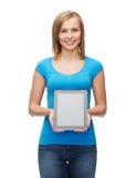 Muchacha sonriente con el ordenador de la PC de la tableta Fotografía de archivo