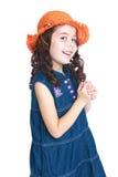 Muchacha sonriente con el pelo negro largo Foto de archivo