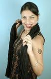 Muchacha sonriente con el tatuaje Fotografía de archivo libre de regalías