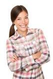 Muchacha sonriente del caminante en camisa de tela escocesa Imagen de archivo