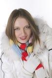 Muchacha sonriente en estilo del invierno Imágenes de archivo libres de regalías