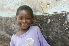Muchacha sonriente en Ghana Imagen de archivo libre de regalías