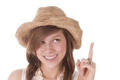 Muchacha sonriente en sombrero de paja Foto de archivo libre de regalías