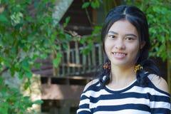 Muchacha sonriente feliz del asiático Imagen de archivo