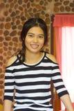 Muchacha sonriente feliz del asiático Imagen de archivo libre de regalías