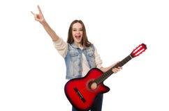 Muchacha sonriente joven con la guitarra aislada en Foto de archivo libre de regalías