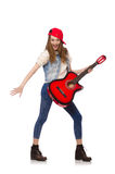 Muchacha sonriente joven con la guitarra aislada en blanco Imagen de archivo