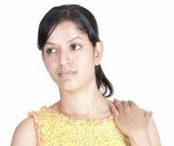Muchacha srilanquesa en el fondo blanco Imágenes de archivo libres de regalías