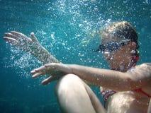 Muchacha subacuática fotografía de archivo libre de regalías