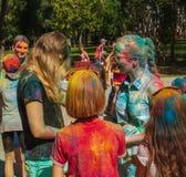 Muchacha sucia feliz durante festival Imagen de archivo libre de regalías