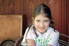 Muchacha tímida sonriente Foto de archivo