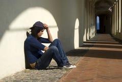 Muchacha triste al aire libre Imagen de archivo libre de regalías