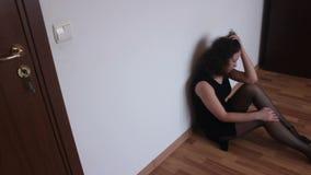 Muchacha triste joven almacen de metraje de vídeo