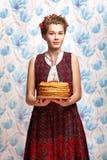 Muchacha ucraniana con crespón Imagenes de archivo