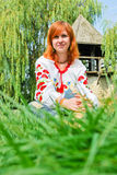 Muchacha ucraniana en ropa nacional Imagen de archivo libre de regalías