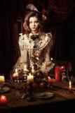 Muchacha vestida en el estilo de rococó Fotos de archivo