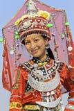 Muchacha vestida tradicional de la minoría de Zhuang, Longji, China imagen de archivo