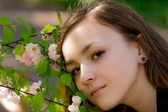 Muchacha Victoria en el jardín Imagen de archivo libre de regalías