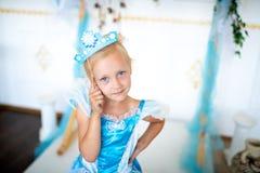 Muchacha virginal de la princesa de la nieve fotos de archivo