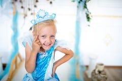 Muchacha virginal de la princesa de la nieve imagenes de archivo