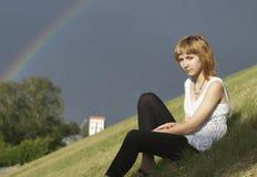 Muchacha y arco iris fotografía de archivo libre de regalías