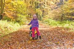 Muchacha y bici Fotografía de archivo libre de regalías