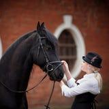 Muchacha y caballo Fotos de archivo libres de regalías