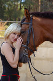 Muchacha y caballo hermosos Foto de archivo