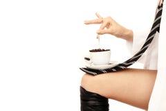 Muchacha y café pelirrojos jovenes Imagen de archivo
