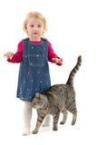 Muchacha y gato Imagen de archivo libre de regalías