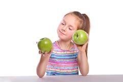 Muchacha y manzanas imágenes de archivo libres de regalías