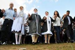 Muchacha y mujeres de Gorani en traje tradicional Fotos de archivo