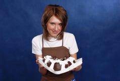 Muchacha y torta Fotos de archivo