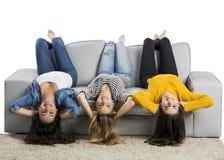 Muchachas adolescentes en casa Foto de archivo