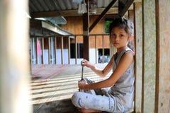 Muchachas asiáticas en la casa local en Tailandia Fotografía de archivo libre de regalías