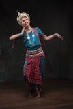 Muchachas bonitas en trajes tradicionales Imagen de archivo