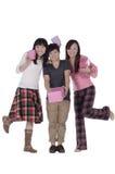 Muchachas bonitas que sostienen el rectángulo del regalo Foto de archivo libre de regalías