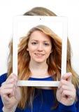 Muchachas con la tableta Foto de archivo libre de regalías