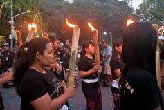 Muchachas con las llamas Imagenes de archivo