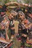 Muchachas de baile tribales de Rajasthán Fotografía de archivo