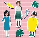Muchachas de la moda y hojas del trópico Etiquetas engomadas de la hembra de la forma de vida Imagen de archivo