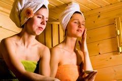 Muchachas de la sauna Foto de archivo libre de regalías