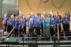 Muchachas del coro JAS de los niños Imagen de archivo libre de regalías