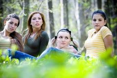 Muchachas en el bosque Fotografía de archivo libre de regalías