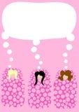 Muchachas en la invitación del partido del pijama de los sacos de dormir Foto de archivo libre de regalías